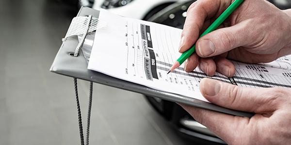 قائمة العماد المرجعية لأفضل عرض لتأجير السيارات في دبي