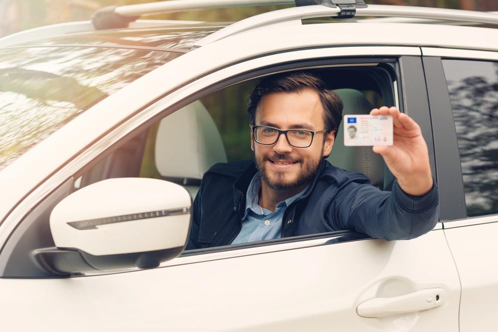 الدول التي لديها رخصة قيادة إماراتية سارية